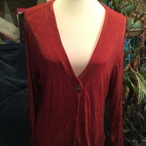 Silky cardigan in Rust.